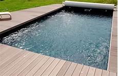 carrelage piscine imitation bois kinderzimmers terrasse en bois ou composite une piscine