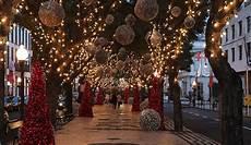weihnachten in portugal shopping in portugal