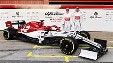 f1 alfa romeo here s the alfa romeo f1 car that kimi r 228 ikk 246 nen will race