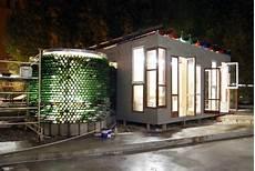 haus aus müll officina roma der raumlabor architekten ist ein recycling