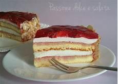 torta margherita con crema pasticcera e fragole torta margherita con crema al formaggio