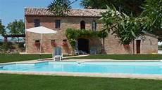 haus kaufen in italien italien landhaus kaufen restauriert in marche haus