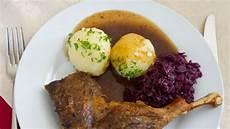 heiligabend essen tradition das isst deutschland an heiligabend am liebsten leben