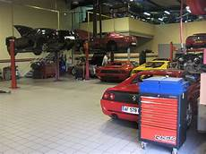 Garage Mit Autos by Atelier De R 233 Paration Automobile Wikip 233 Dia