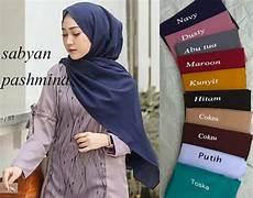 Jilbab Pashmina Warna Hitam Casual