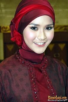 Model Jilbab Pesta Zaskia Mecca Area Cara Memakai