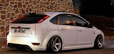 white low rider ford focus mk2 tuning exhaust and