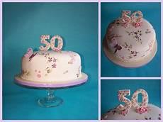 fondant torte mit gemalten blumen zum 50 geburtstag