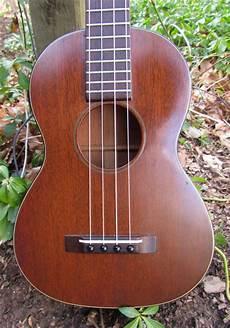 martin tenor ukulele vintage 1940s 1950s martin tenor ukulele crawls backward when alarmed