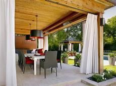 große terrasse gemütlich gestalten terasse gestaltung mit vorh 228 ngen sonnenschutz sonnenschutz in 2019 terrassen ideen