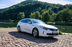 Kia Optima Sportswagon 2 0 Gdi In Hybrid Test
