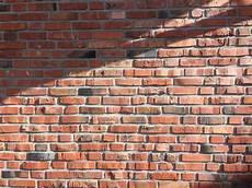 alte ziegelmauer sanieren fehlbrandziegel feldbrand weichselgurken maschinell rot