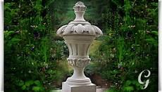 Steinskulpturen Für Den Garten - deko kreuzblume aus stein caracalla gartentraum de