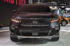 2019 kia sorento look fresher and safer motor trend