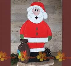 weihnachtsmänner aus holz selber machen stehender weihnachtsmann