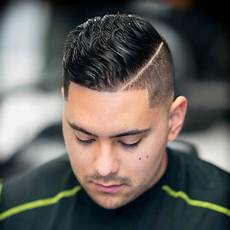 best hairstyles for round faces for men