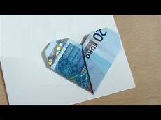 herz aus geld geldscheine falten herz einfach geld falten hochzeit