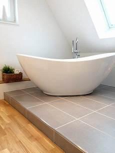 badewanne auf podest oh diese sch 214 ne bath badezimmer in 2019