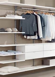 Begehbarer Kleiderschrank Gebaut Mit Einem Einfachen