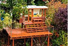 tree house plans on stilts tree houses they call thesehomes lol modernes