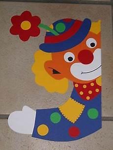 basteln fasching fenster fensterbild tonkarton karneval fasching fenstergucker clown blume deko neu fenstergucker