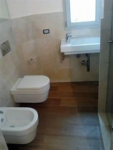 vasche da bagno basse foto realizzazione bagno con parquet di multicalor 56459