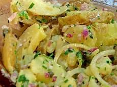 recette salade de pomme de terre alsacienne salade de pommes de terres alsacienne recette de salade de pommes de terres alsacienne marmiton