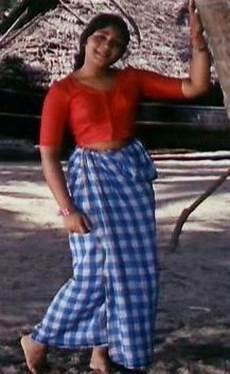 lungi mundu neriyathu saree blouse photos wallpapers gallery
