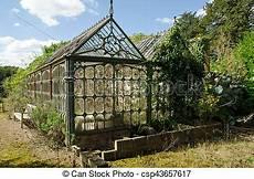 dilapidiertes vitorianisches gew 228 chshaus blick auf ein
