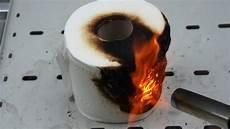 fackel mit toilettenpapier burning toilet paper with gas torch