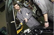 recherche mecanicien auto au black technicien technicienne automobile onisep