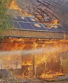 zerstörte natur vorher nachher wohnhaus vom feuer zerst 246 rt 220 hlingen birkendorf