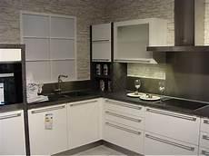 küchen weiß hochglanz nobilia musterk 252 che moderne l k 252 che in wei 223 hochglanz