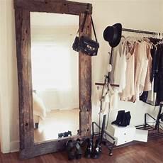 Spiegel Mit Holzrahmen Praktisch Und