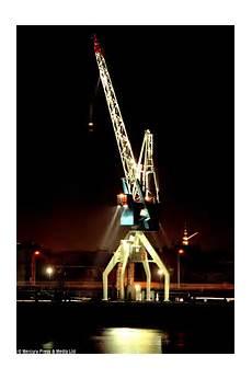 Kran Hotel Amsterdam - faralda crane hotel in amsterdam built inside crane and