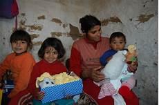 beschenken sie kindern in not weihnachten im schuhkarton