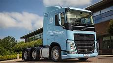 volvo to showcase lng tractor unit at freight in the city
