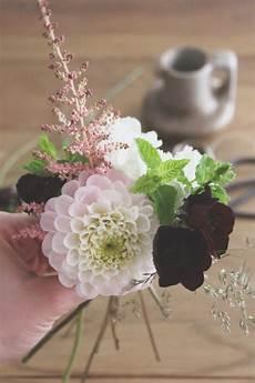 la mariee aux pieds nus diy petit bouquet de fleurs