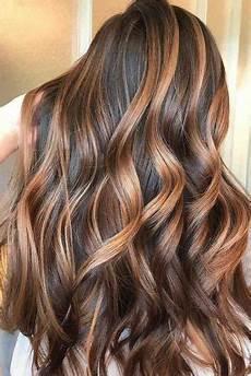 las 25 mejores ideas sobre iluminaciones en cabello m 225 s de 25 ideas incre 237 bles sobre rayitos en cabello oscuro en pinterest ombre rubio oscuro