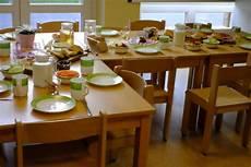 tisch für kinder mahlzeiten und getr 228 nke st elisabeth kindergarten