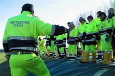 presidenza consiglio dei ministri dipartimento protezione civile protezione civile effettua prova d evacuazione presso l i