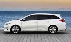 toyota auris kombi toyota s auris sports car is stuck in the middle of