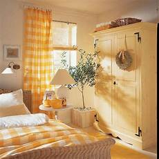 Aesthetic Bedroom Ideas by Yellow Bedroom Decorating Ideas Decoredo