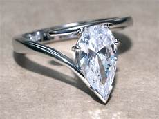 bespoke jewellery designing the custom made wedding ring and engagement ring in hong