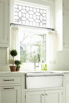 Kitchen Curtains In guide to choosing curtains for your kitchen
