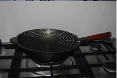 cucinare con il wok ricette ricette con il wok come sceglierlo e cosa cucinare