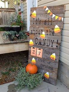 Wood Decorations Outdoor by 60 Outdoor Fall Decor Ideas Happy Go Lucky