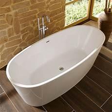 freistehende badewanne groß camargue freistehende badewanne tao bei bauhaus kaufen