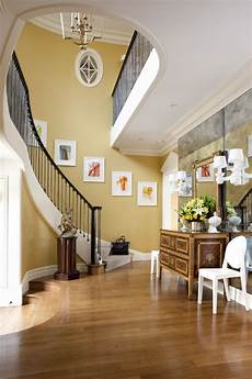 wand gold streichen what is the beautiful gold yellow paint color on the walls