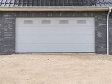 garagenrolltor mit tür garagentore aus kunststoff